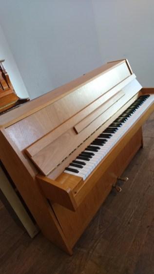Klavier_kawai_gebraucht