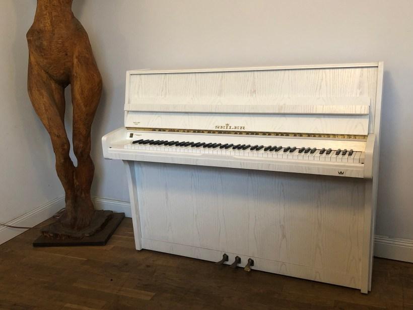 Klavier Seiler Weiß
