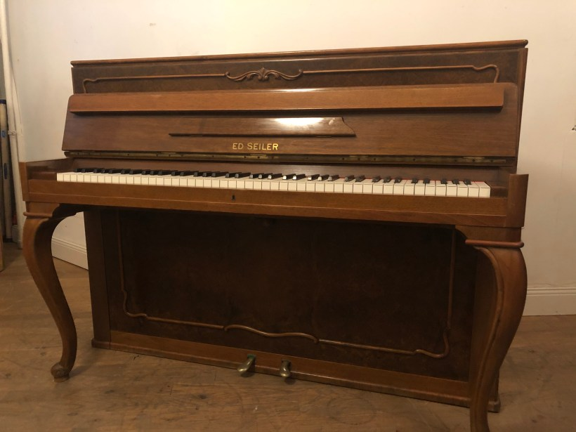 Klavier Seiler 112