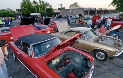 Classic cars parked at the 2012 Rolling Meadows, Illinois cruise night.