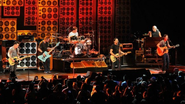 I got a little story for you: Watch 25 years of Pearl Jam ...