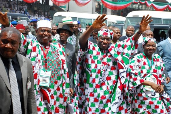 Nigeria ruling party tested by dissent, opposition challenge