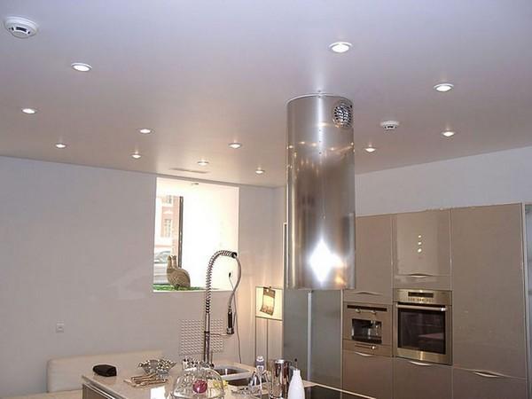 Натяжной потолок. Точечное освещение
