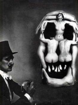 dali-skull-art-10-650x893 -1