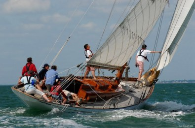 Merry Dancer sailing