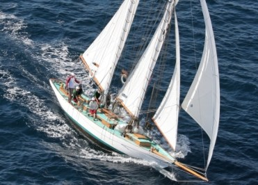 Sif under full sail