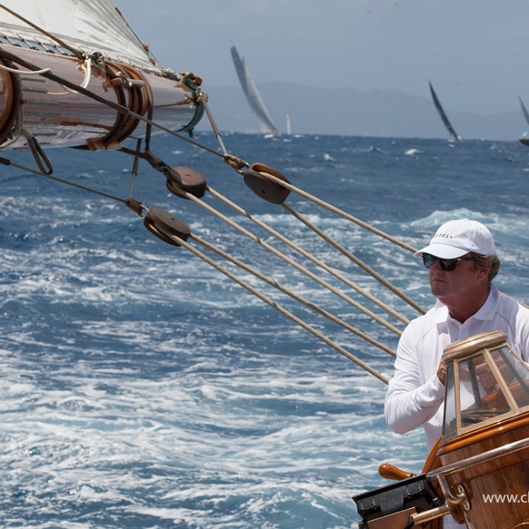 Elena's Captain Steve Mclaren at the helm ©ClaireMatches