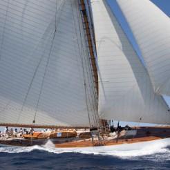 Mariquita sail by