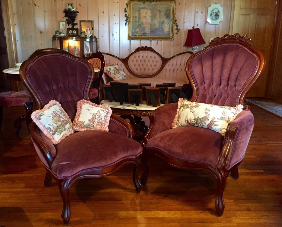 Antique Victorian Parlor/Living Room Furniture