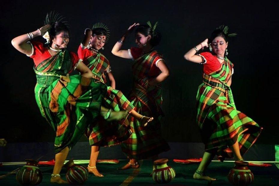 danse folklorique indienne