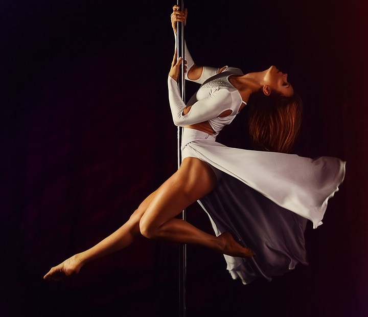 Danseuse pole dance