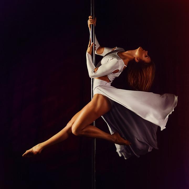 Danseuse pole dance