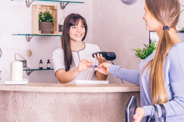 5 Ways to Encourage Tipping After Wellness Appointments