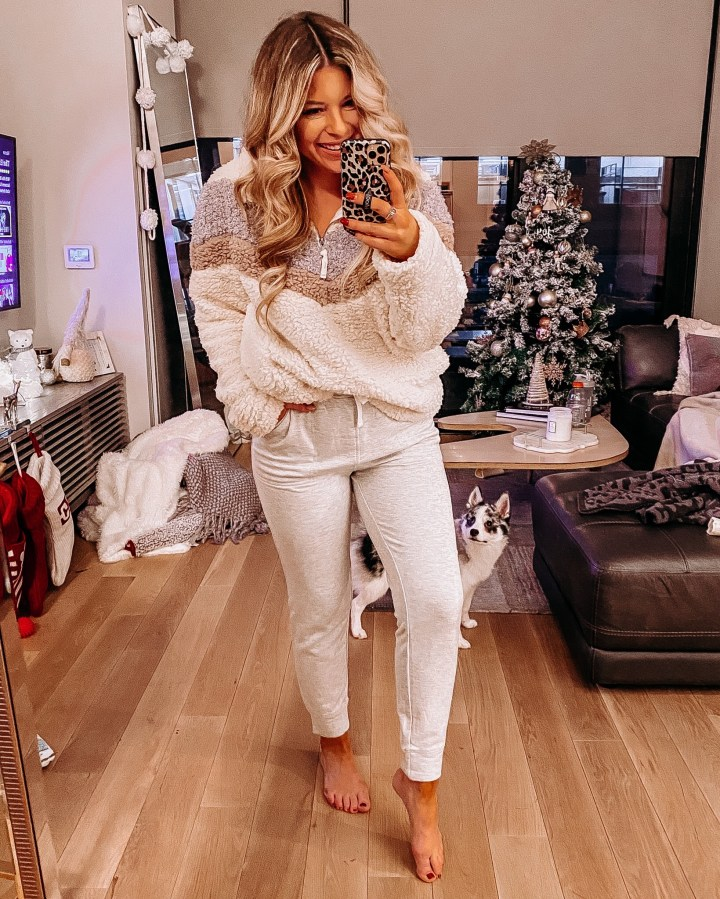 Weekly Roundup +Weekend Sales | Style blogger Emerson Hannon of Classycleanchic shares Weekly Roundup + Weekend Sales
