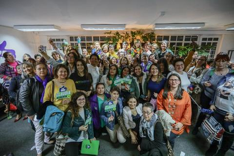 Claudia López firma el Pacto por las Mujeres