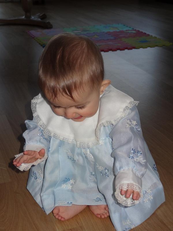 in Claudias Tauf-Kleidchen