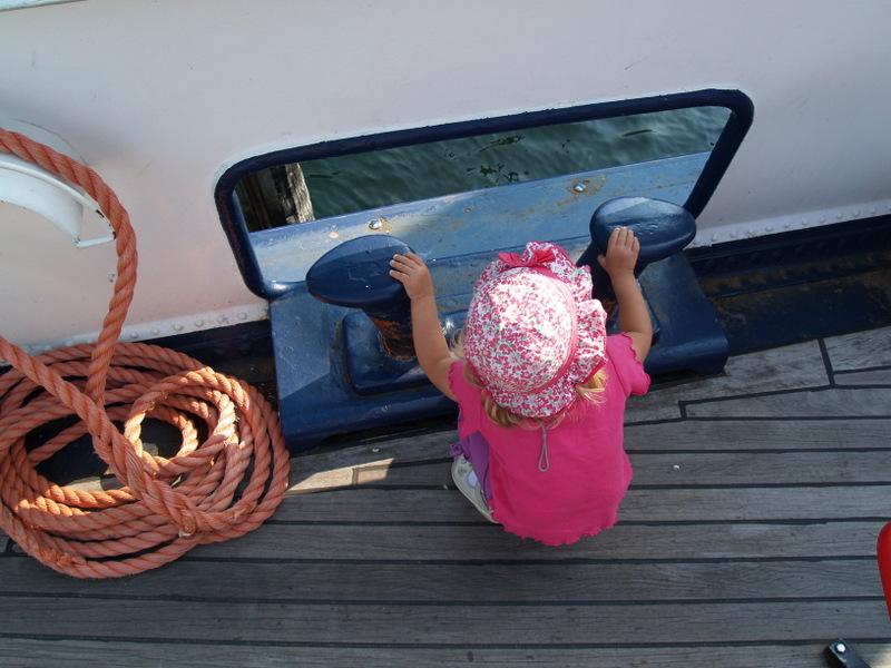 Laura Maria auf dem Schiff nach Brisago