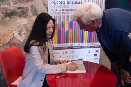 Claudia Campaña Puerto de Ideas 2018 firma libros