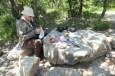 Num outro momento da viagem. Talvez essas pedras estivessem lá há 100, 300, ou mil anos