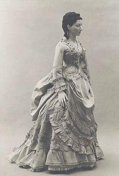 18th Century dress with bustle underneath