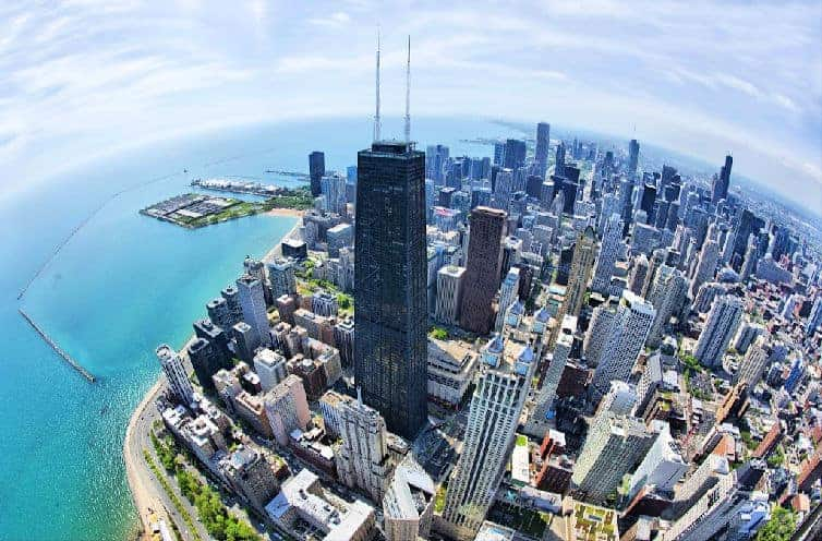 From world-class museums and attractions to amazing shopping and restaurants, how to enjoy the best things to do in Chicago with teens. #chicago #familytravel #teentravel #travelwithteens #choosechicago #traveltips #usatravel