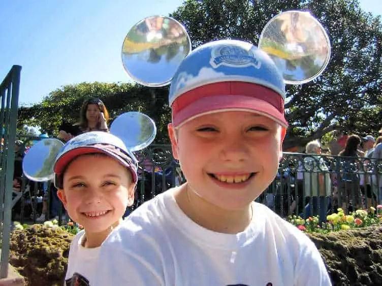 disney trip planner makes happy kids
