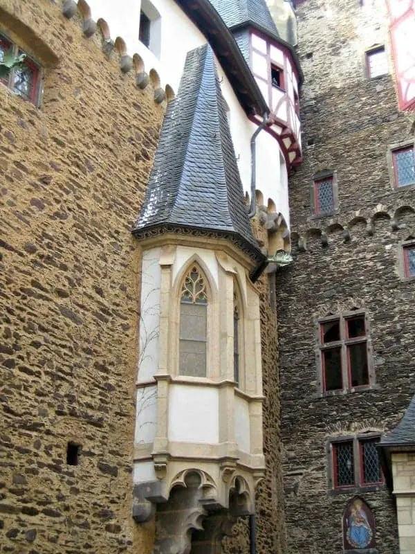 windows of burg eltz castle
