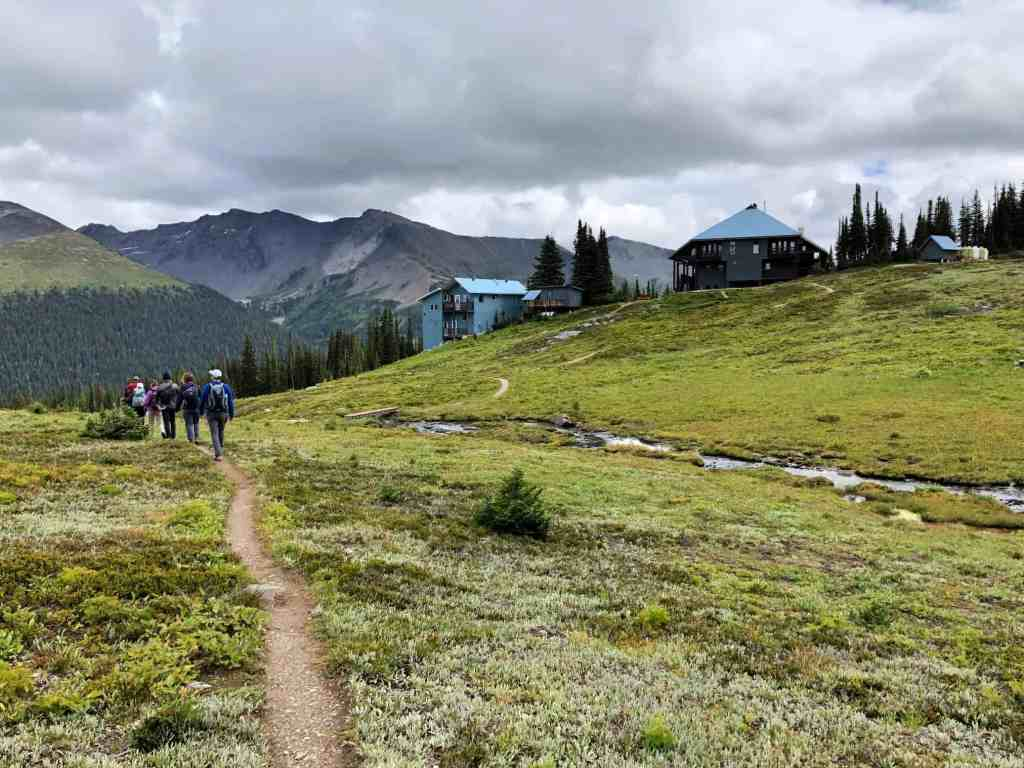 hikers going to purcell mountain lodge