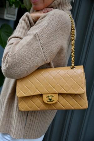 Rollkragenpullover und Chaneltasche - claudinesroom