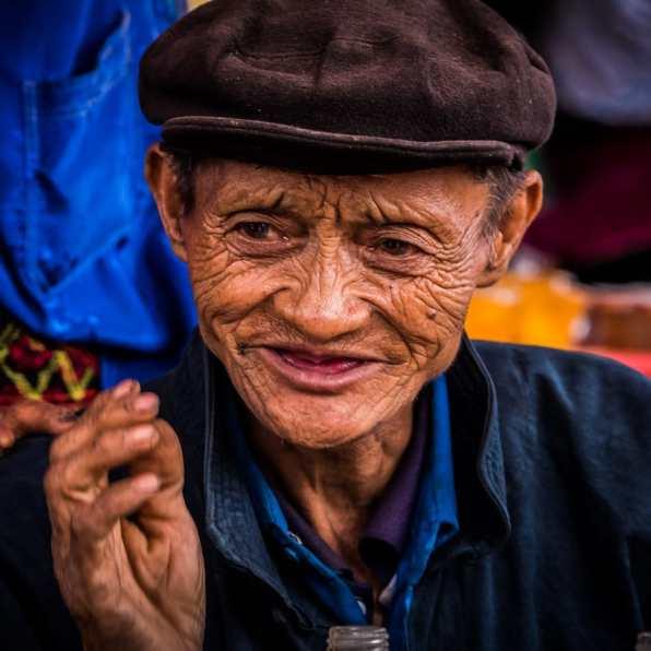 vietnam-ha_giang-dong_van_market-165