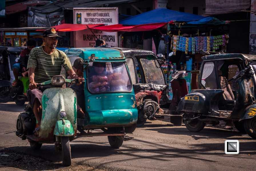 Indonesia-Sumatra-Nopan-VespaParadise-0715