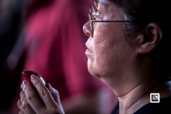 Taiwan Taipei temple prayers