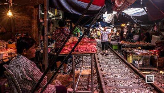 Maeklong Train Market Color-4