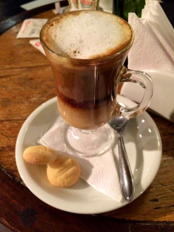 Delicioso café no Bar do Cinema- Photo by Claudia Grunow