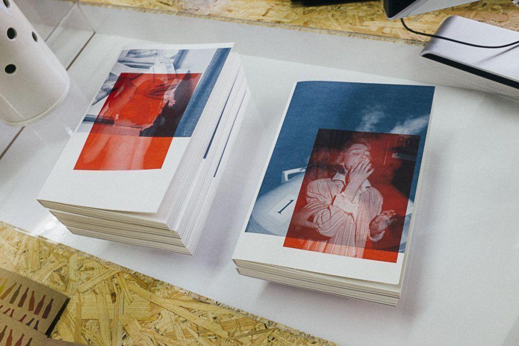 Las dos diferentes cubiertas del libro del Photomonth 2016. © Ana Zaragoza