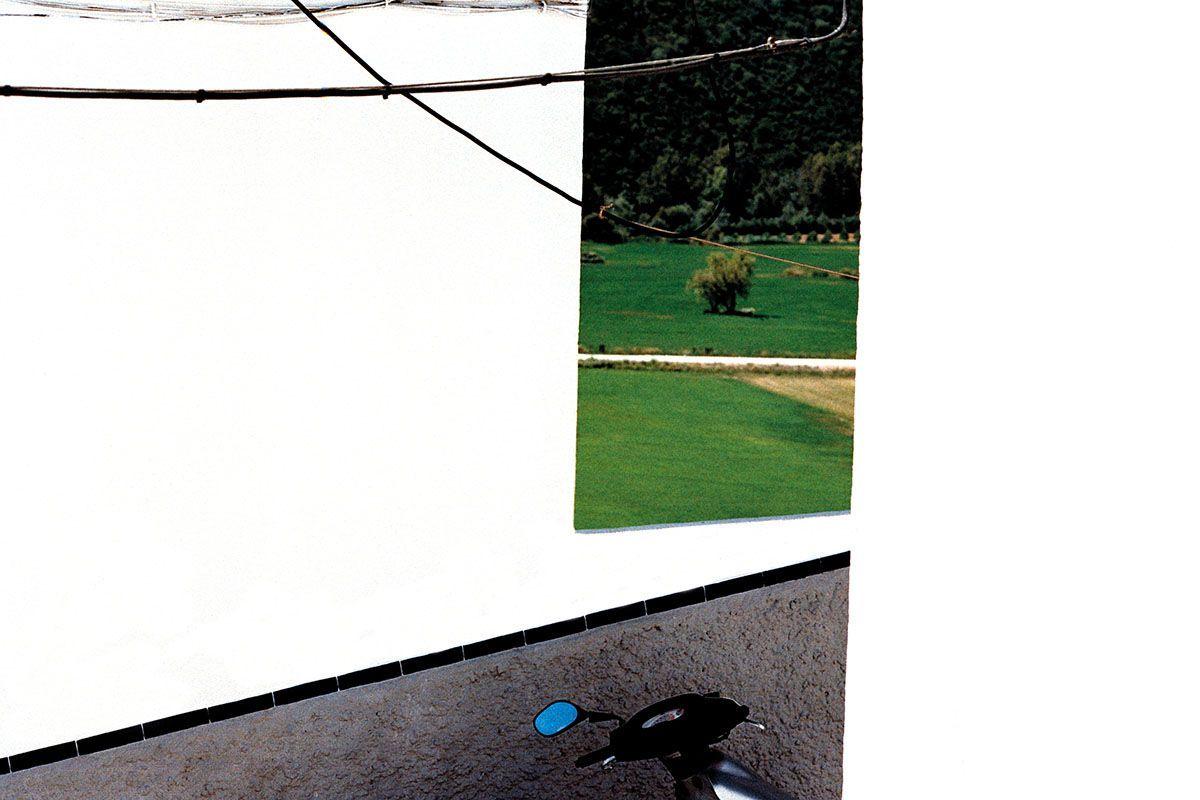 Fotografía de la serie 'Blanco Roto' © Cristóbal Benavente