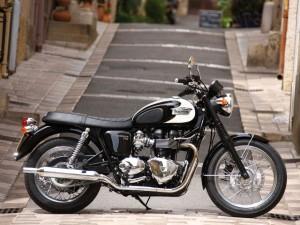 Triumph-BonnevilleT100c