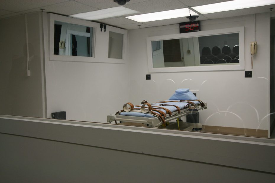 An empty execution bed