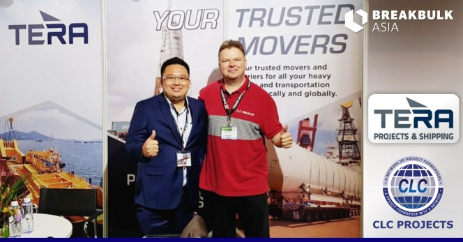 Dennis           Tan of Tera Projects & Shipping meeting with Bo at their           Breakbulk Asia booth