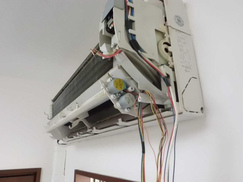 1DK空室清掃とシャープのエアコンクリーニング