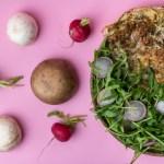 Champignons Omelett mit Rucola-Radieschen Salat