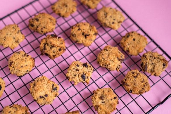 Vegane Walnuss Kekse mit Quinoa & Kakao Nibs