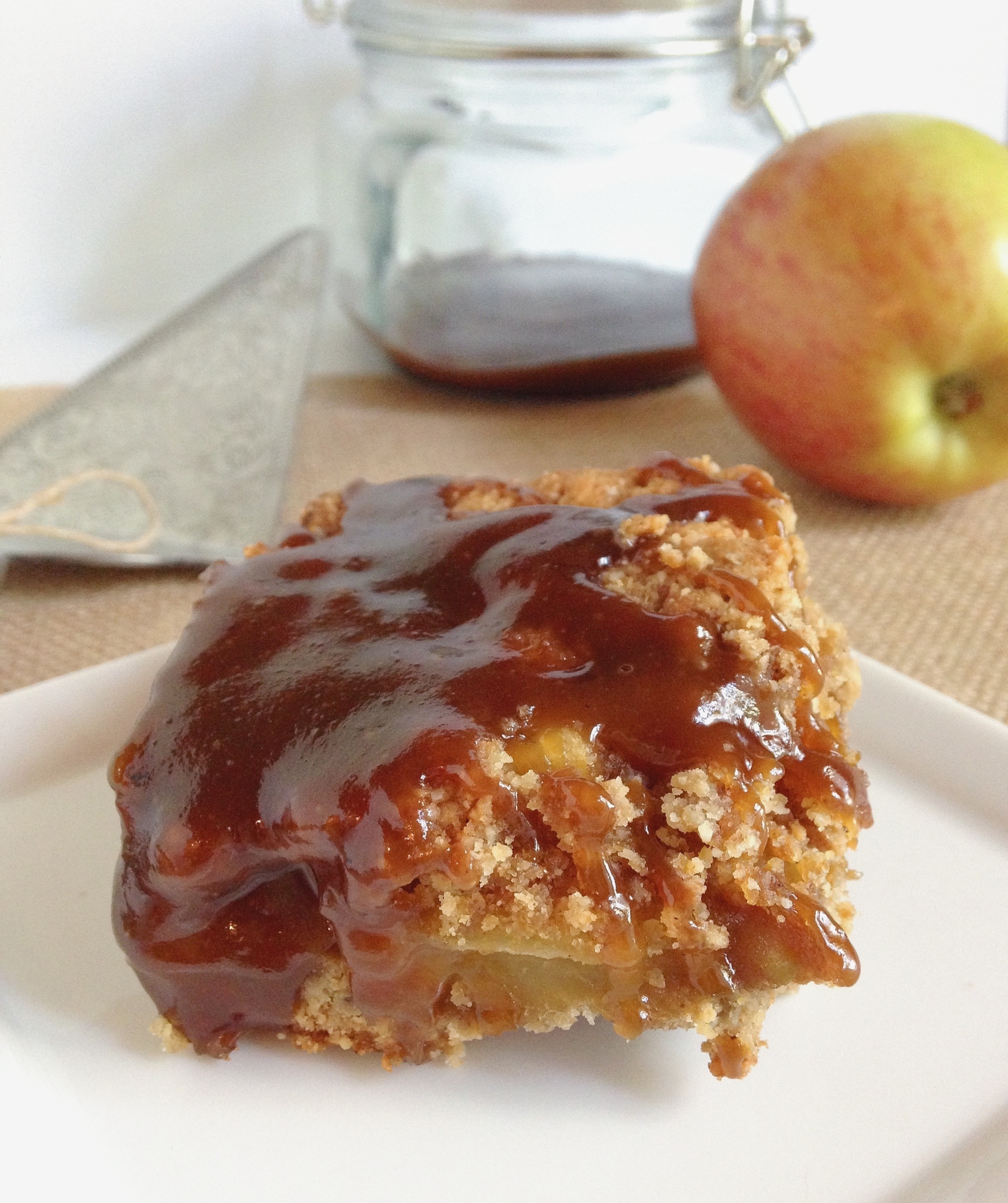Apple Pie Porn caramel apple pie bars | clean eating with a dirty mind