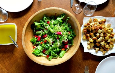 Salad with Croutons and Dressing