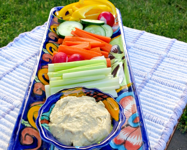 Veggie Platter with Garlic Hummus