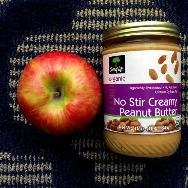 Vegas Snack Apple & Peanut Butter