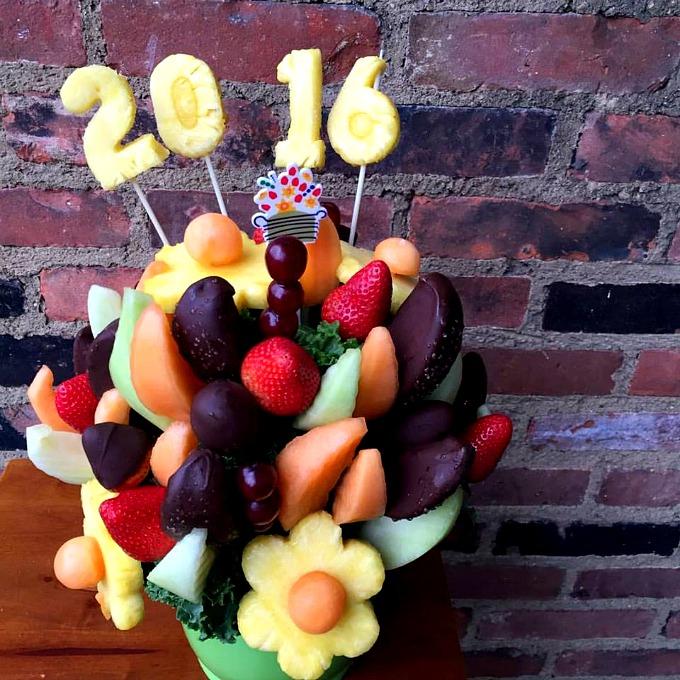 2016 Edible Fruit Arrangement