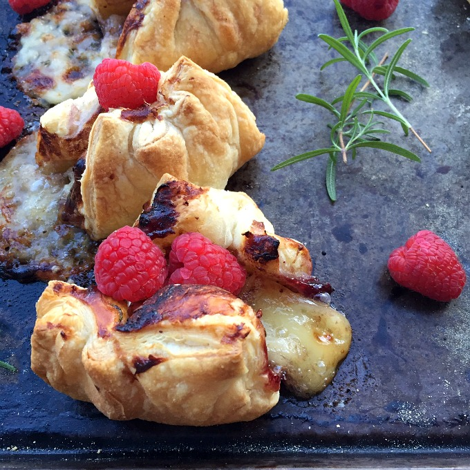 Baked Brie Bites with Raspberry Sauce C