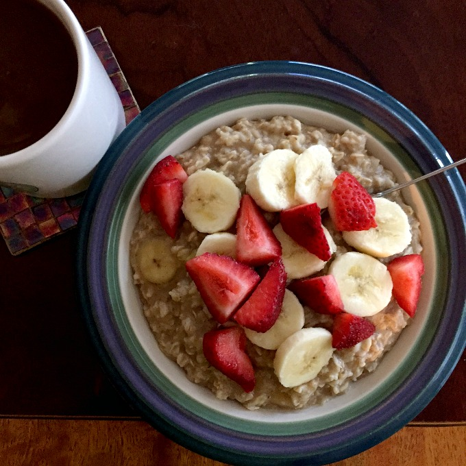 coffee-oatmeal-bananas-and-strawberries