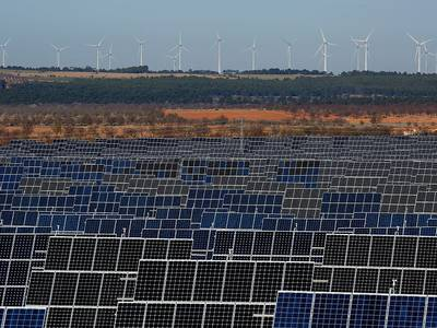 Smart money should be investing in renewables, not fossil fuels